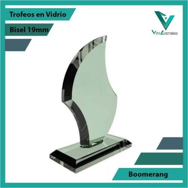 Trofeos en Vidrio Boomerang personalizadas con grabado laser
