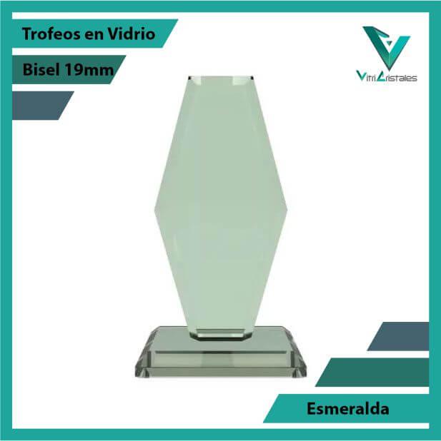 Trofeos en Vidrio Esmeralda en grabado laser