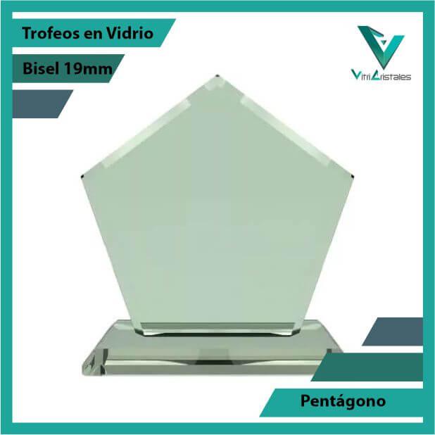 Trofeos en Vidrio Pentágono en grabado laser