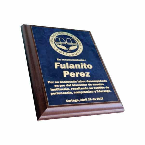 placa de reconocimiento en madera con bronce marmolizado laserable 2