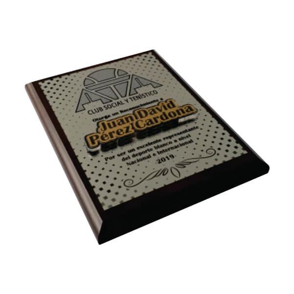 placa de reconocimiento en madera con flexibrass laserable color dorado con relieve 4