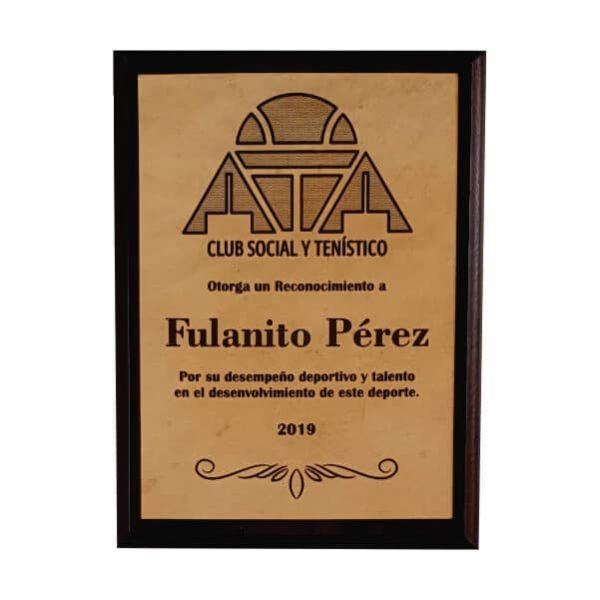 placa conmemorativa en madera con cuero grabado laser