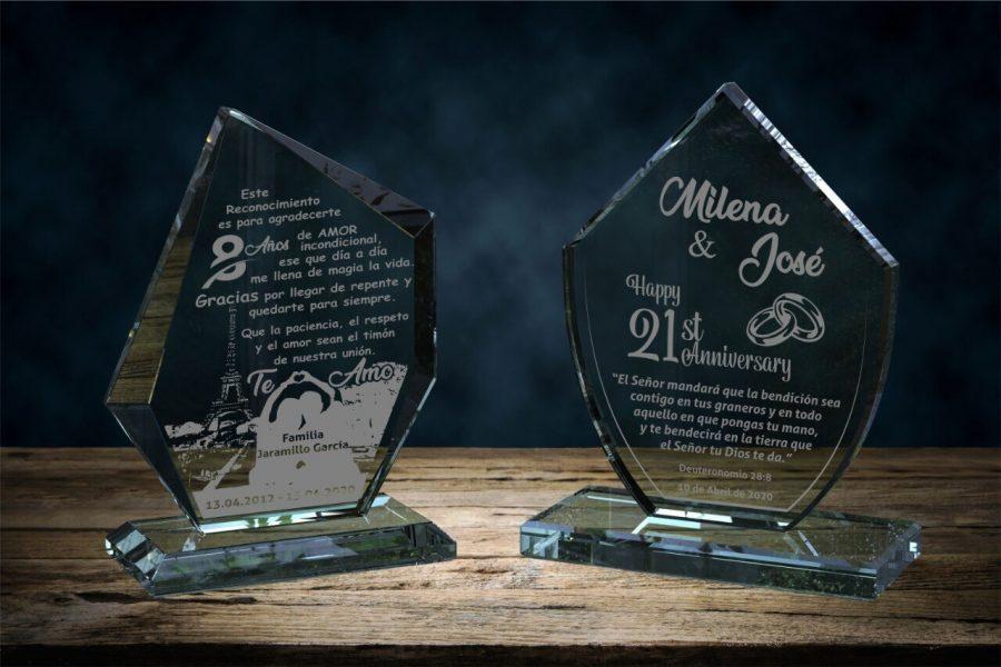 placas en vidrio para regalos de aniversario forma epsilon y corona
